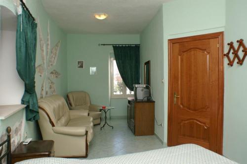 Triple Room Trogir 2979c, Pension in Trogir