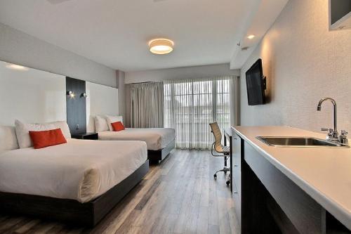 Hotel Classique - Photo 4 of 102