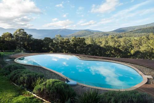 Kangaroo Manor - Yarra Junction