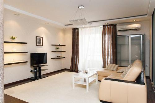 Apartment Complex Daudel 8