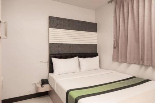The Cozi Inn Hotel, Bangkok photo 28