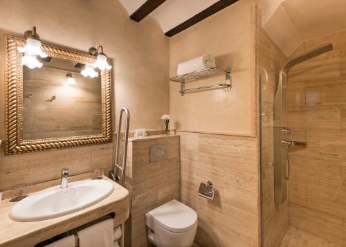 Habitación Individual Básica Hotel Casa 1800 Granada 24