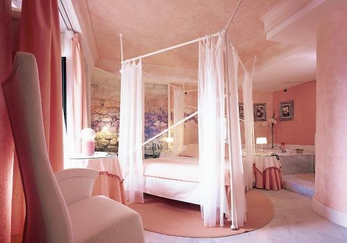 Superior Double Room with Bath - single occupancy Casona Camino Real De Selores 17