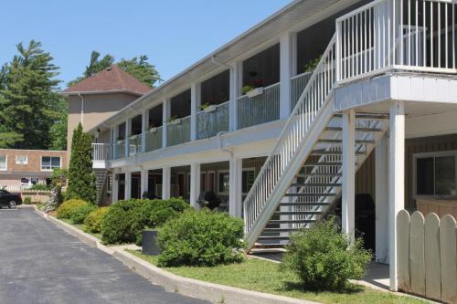 Saga Resort - Photo 8 of 80