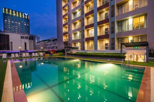 Evergreen Place Siam by UHG photo 42