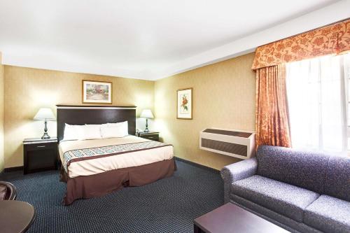 Photo - Days Inn & Suites by Wyndham Artesia