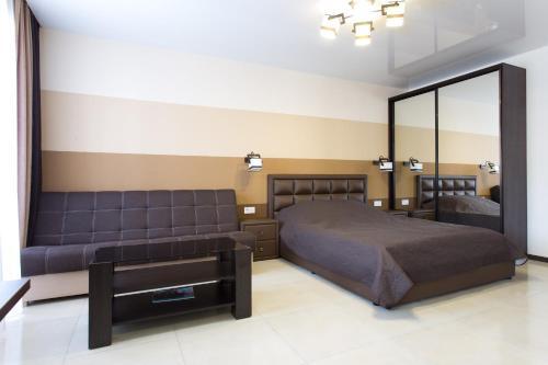 . Luxury Studios on Nauki Avenue