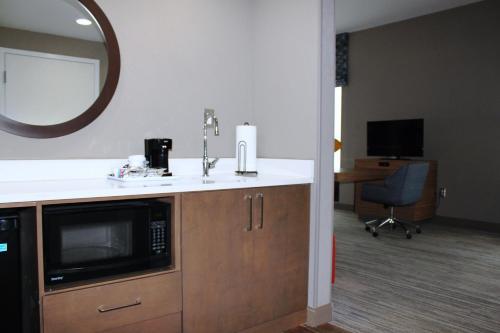 Hampton Inn Forsyth - Forsyth, GA 31046