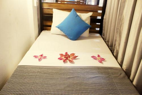 Single Bed in 12 Bed Mixed Dormitory Room