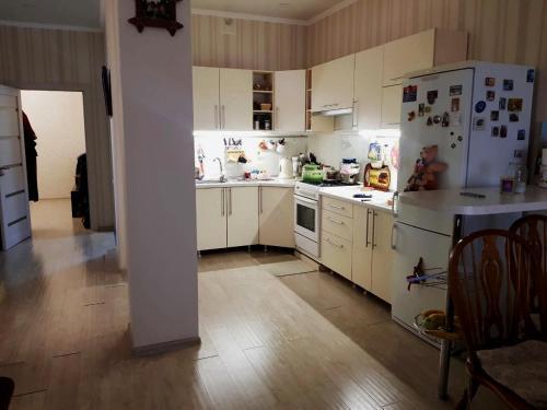 . Apartment Pereulok Shkolnyy 2