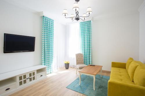 R.O.Y.A.L apartments