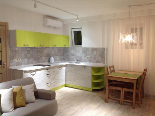 . Комфортная апарт-студия SILENA с 2 спальнями