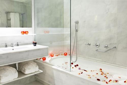 Majestic Hotel & Spa Barcelona GL photo 28