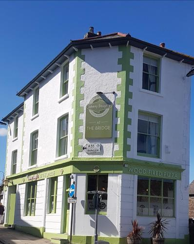 Johnny Dough's Conwy With Rooms, Conwy