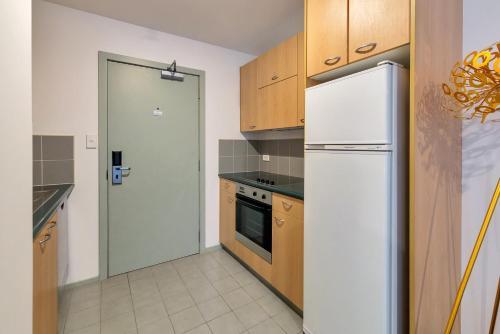 【JHT】CARPARK, CBD ,Next to University,Wifi,TV - Apartment - Auckland