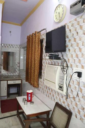 Deluxe Double Room Tourist Guest House