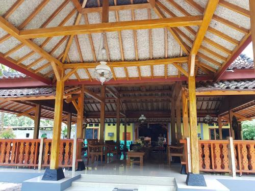 Oetome House and Coffee, Wonosobo