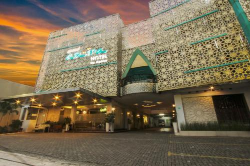 . Grand Amira Hotel