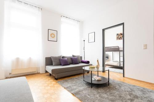 Lovely Two Level Apartment For Families