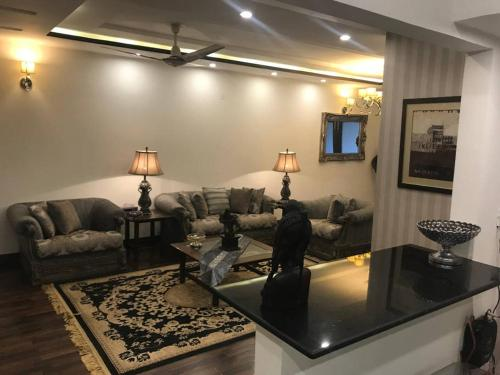. Shahmeer's Executive Apartment