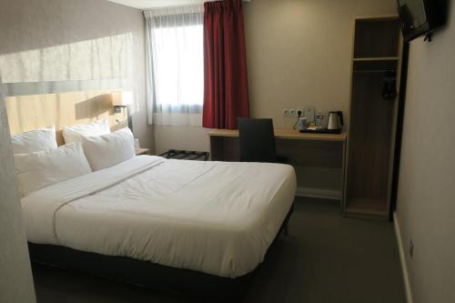 . Brit Hotel La Ferte Bernard