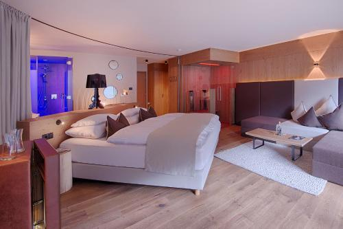 Lifestyle Suite with Balcony
