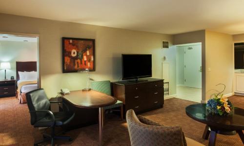 DoubleTree By Hilton Sacramento - Sacramento, CA CA 95815