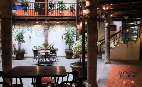 Calle Morales OE1-160, Centro Histórico, Quito EC170104, Ecuador.