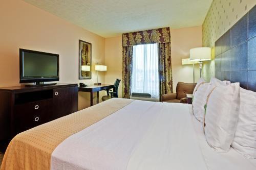 Holiday Inn Bloomington - Bloomington, IN 47404