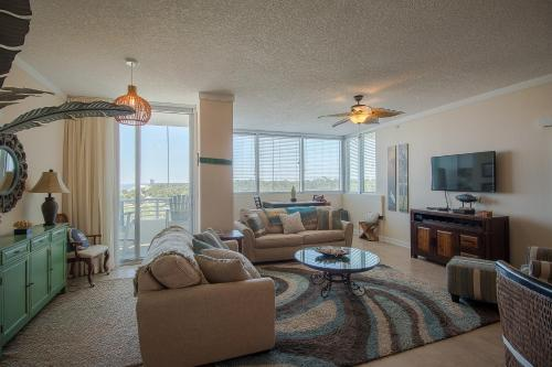 . Ocean Club 403 - One Bedroom Apartment