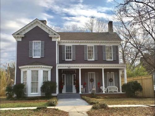 The Wynne House Inn - Accommodation - Holly Springs
