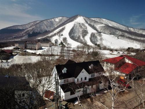 斑尾山山林小屋 Madarao Mountain Lodge