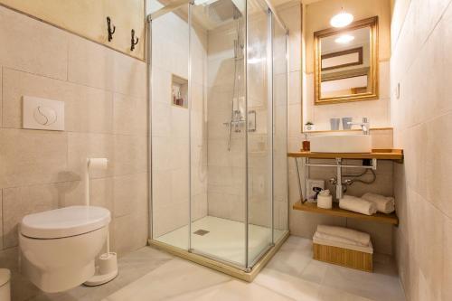 Double Interior Room Economica Hotel Casa de las Cuatro Torres 9