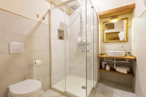 Double Interior Room Economica Hotel Casa de las Cuatro Torres 4