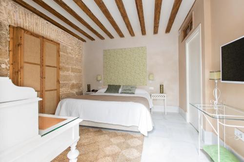 Double Interior Room Economica Hotel Casa de las Cuatro Torres 7