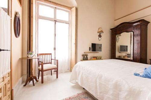 Double Exterior Room Hotel Casa de las Cuatro Torres 11