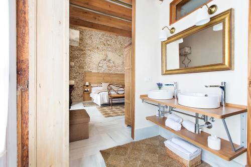 Premium Double Room Hotel Casa de las Cuatro Torres 6