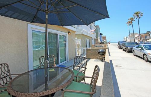 120 31st St A (68338) - Newport Beach, CA 92663