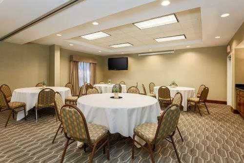 Hampton Inn & Suites Tallahassee I-10-Thomasville Road - Tallahassee, FL FL 32308