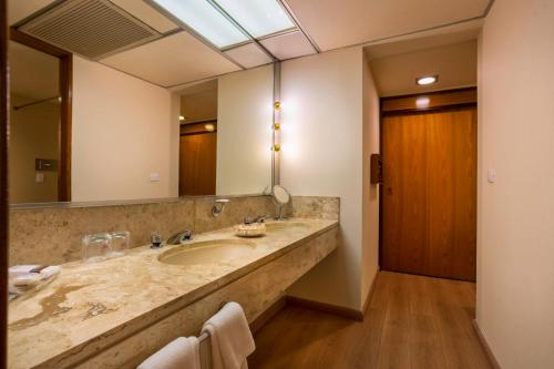 Grand Suite Brasiliana with One King Bed - Vip Club access