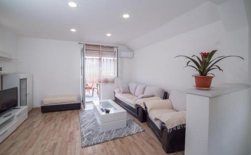 . Apartment Milena