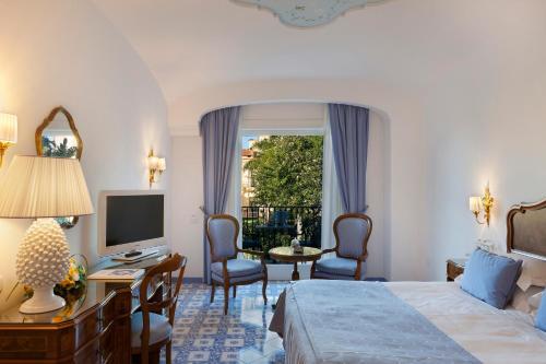 Via Torquato Tasso, 61, 80067 Sorrento NA, Italy.