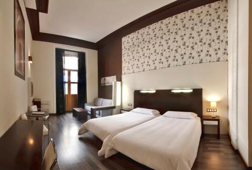 Photo - Hostal Alhambra Suites