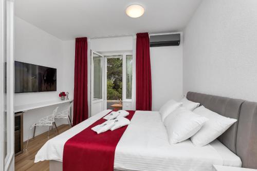 . Luxury Rooms Paradise Garden