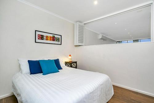 Two Bedroom Apartment Campbell Street(SHILL) - image 6