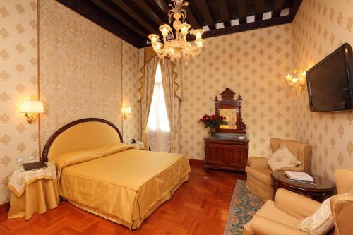 Dorsoduro, 2792, Venice, 30122.