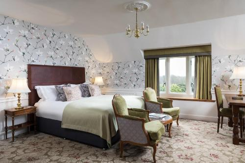Hotels Near Lower Beeding