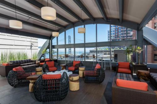 Global Luxury Suites at Howard Street photo 30