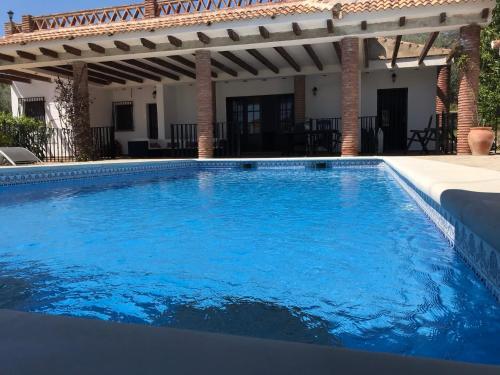 Villa Zahar - Accommodation - Periana