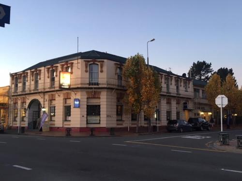 . Geraldine Heritage Hotel